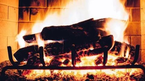 В Краснокутском районе дровяная печь привела к трагедии
