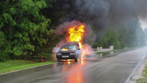 Судимый за наркотики подозревается в поджоге машин из Геленджика и Московской области