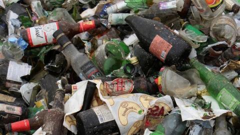 Более 23 тысяч бутылок из-под шампанского поступило на энгельсский МПК в первые новогодние дни