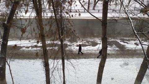В день снегопада на расчистку Саратова выделили меньше техники