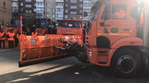 194 машины постоянно убирают улицы Саратова