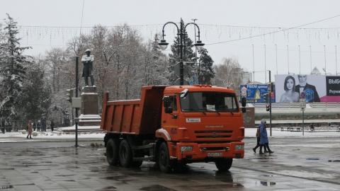 С улиц Саратова вывезено свыше тысячи кубометров снега
