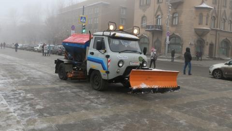Улицы Саратова расчищают 212 единиц техники