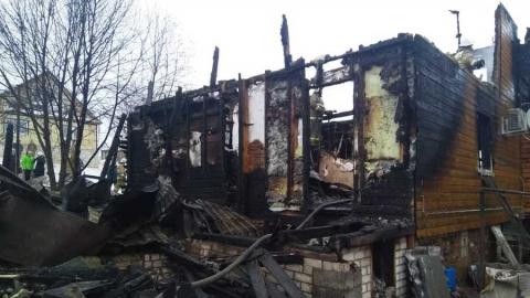 Мужчина погиб, спасая из огня жену и внука