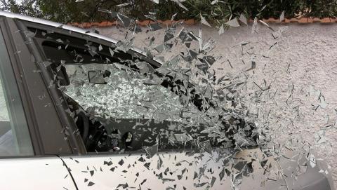 Неудачливый угонщик разбил машину в 30 метрах от стоянки