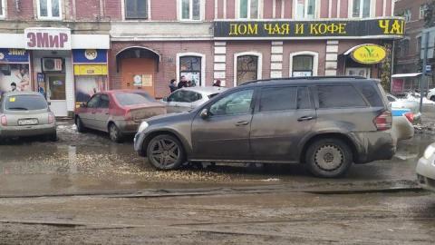 «Мерседес» сбил девушку в центре Саратова