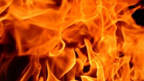 Ночью в Балашове сожгли дом