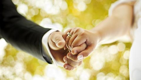 Жительницу Ровенского района поймали на фиктивном браке с армянином