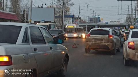 Автомобилистам стоит готовиться к пробкам в Ленинском районе