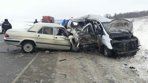 Четверо погибших в страшном ДТП в Татищевском районе
