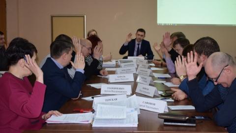 Саратовских предпринимателей обязали снять 15 ранее одобренных вывесок