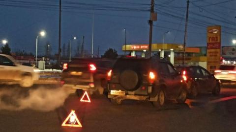 Две иномарки столкнулись на выезде из Саратова