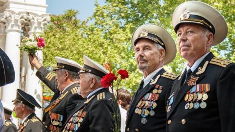 Ветерана несколько лет обещают свозить на День Победы в Москву