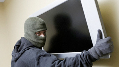 Рецидивист лишил мать-пенсионерку телевизора