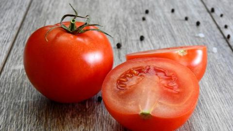 Саратовцы поразились росту цен на помидоры