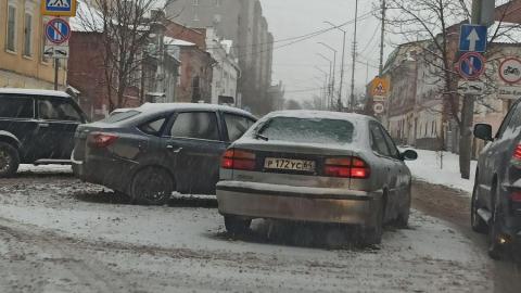 ДТП может создать пробку в центре Саратова