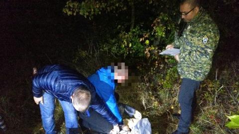 Мужчина изнасиловал и задушил женщину в кустах на пустыре | 18+