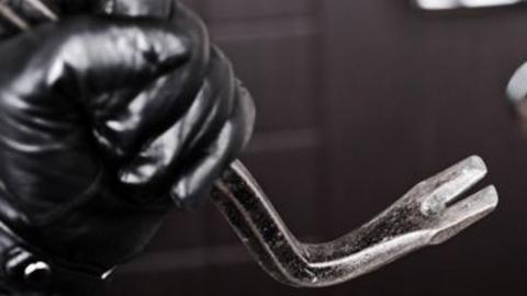Рецидивист украл технику почти на 100 тысяч рублей