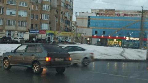 """""""Девятка"""" не пропустила Renault Sandero"""