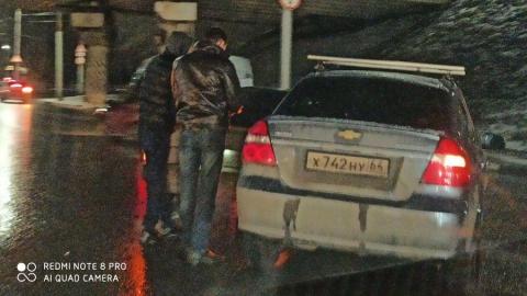 Авария под мостом на 3-й Дачной