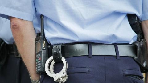 Сын угрожал убить отца и избил полицейского