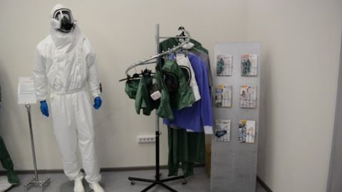 Саратовская больница № 8 закупает противочумные костюмы