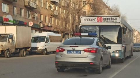 Автобус врезался в иномарку, а ВАЗ в такси