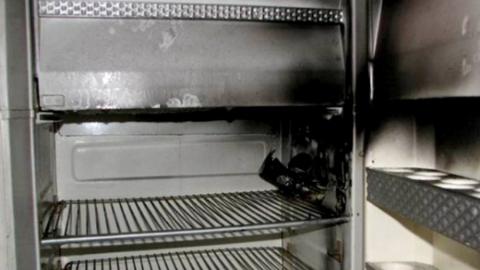 В саратовском ТЦ сгорел холодильник