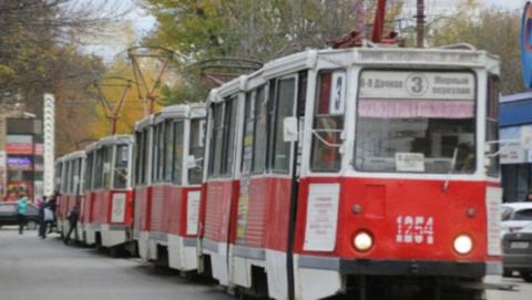 В центре Саратова встали два трамвайных маршрута