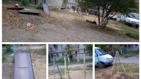 Администрация отказалась ремонтировать поломанную детскую площадку