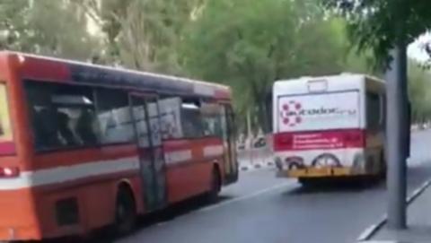 Возле «Триумф Молла» автобус столкнулся с авто