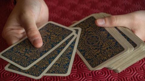 Полиция «накрыла» казино во время партии в покер