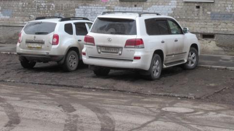 Улицу Шевченко в Саратове ежедневно оккупируют автохамы