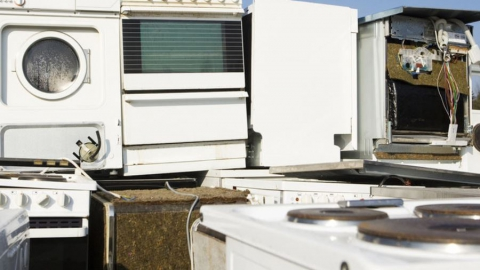 Подозрительная «мусорщица» продает талоны на вывоз бытовой техники в Энгельсе