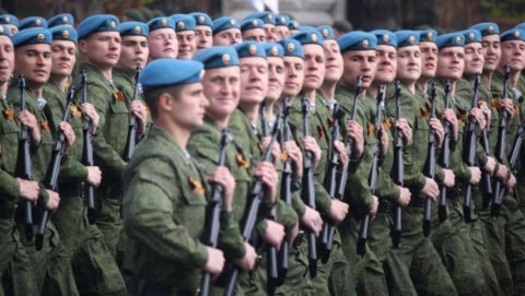 В Саратове почтили память псковских десантников
