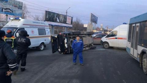 В столкновении с автобусом пострадала женщина