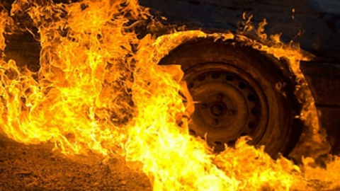 «Лада» сгорела в Саратове