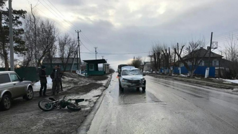 16-летний житель Вольска влетел в «Гранту» на мопеде