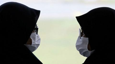 Школы двух районов Саратовской области остаются на карантине