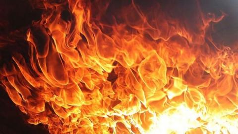 Расселенное здание сгорело в Ленинском районе
