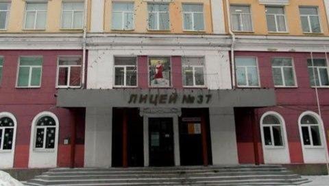 Саратовские школы начали закрывать на карантин
