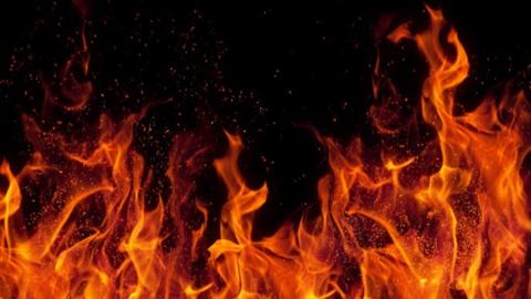 Деревянная дача сгорела в Заводском районе