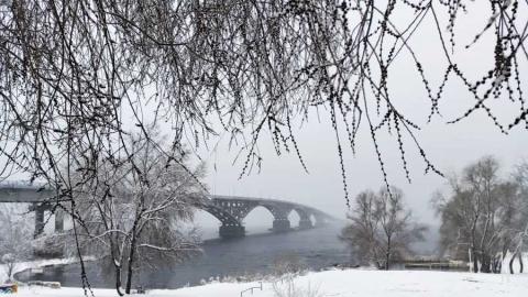 Регоператор: Сильный снегопад повлиял на графики вывоза ТКО