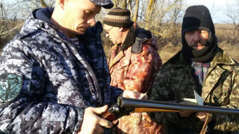 Саратовца наказали за охоту на беременных уточек