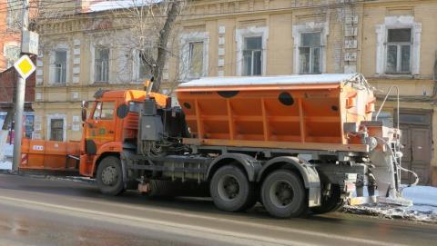 Более 600 тонн реагентов высыпали на саратовские дороги