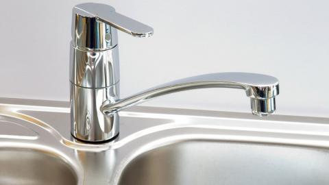 Послезавтра десятки домов в Волжском районе лишатся холодной воды