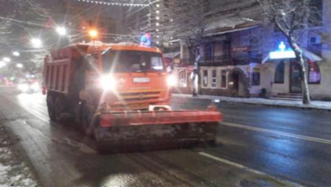 В Саратове работает почти на 15 процентов меньше снегоуборочной техники