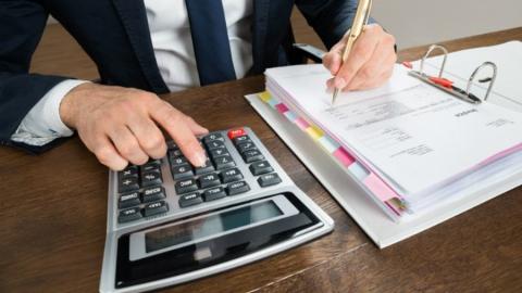 Предпринимателям обещают отсрочку по налогам и аренде