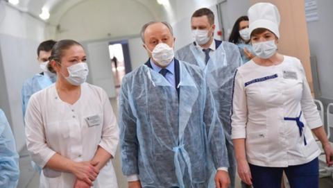 Радаев побывал в готовящейся принимать «коронавирусных» пациентов больнице
