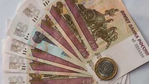 Принят закон о ежемесячных выплатах малоимущим саратовцам с детьми